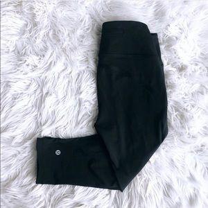 Lululemon size 4 cropped leggings
